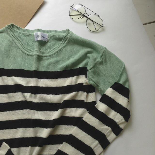 撞色橫紋針織衫