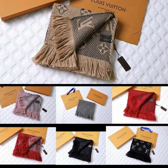 🎄🎄 聖誕節促銷95折(再含運費)LV 圍巾,94%羊毛6%真絲( 要看其他顏色細圖麻煩私訊我)