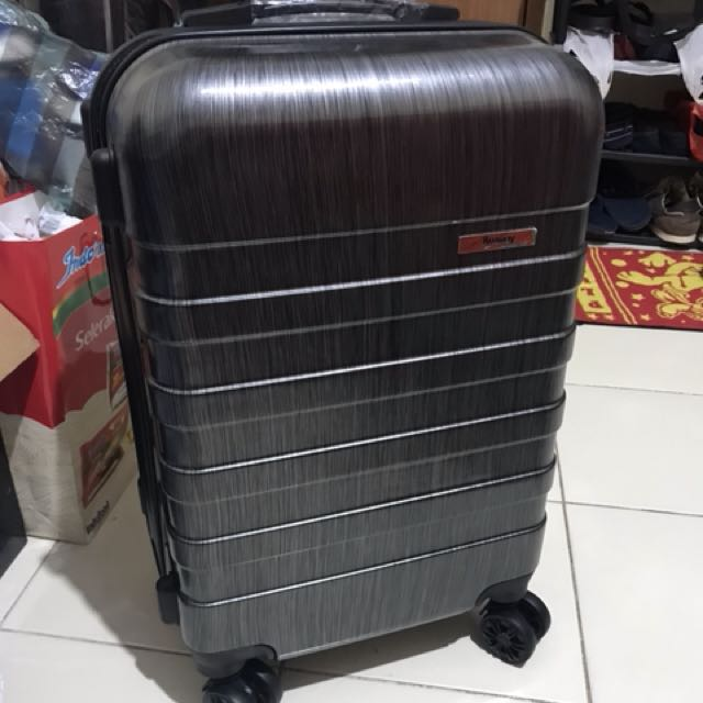 Amway luggage (made by american tourister)