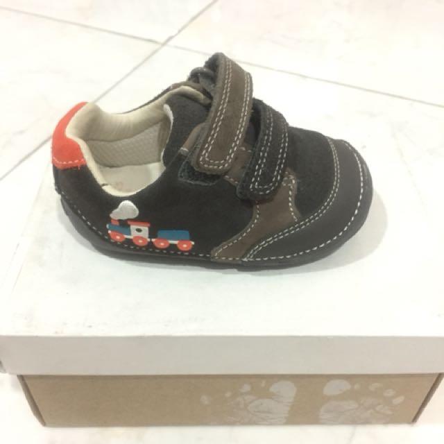 0425159ec9f1 Baby Boy Shoes (Clarks) size 3  Like New