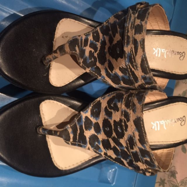 boardwalk sandals size 6