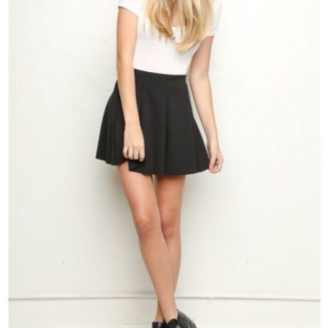 Brandy Melville Black skirt