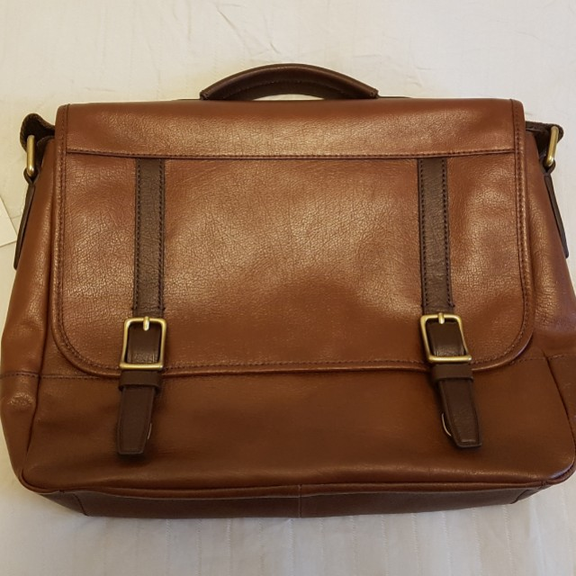 83fda7921 Brown Fossil leather messenger bag, Men's Fashion, Bags & Wallets on  Carousell