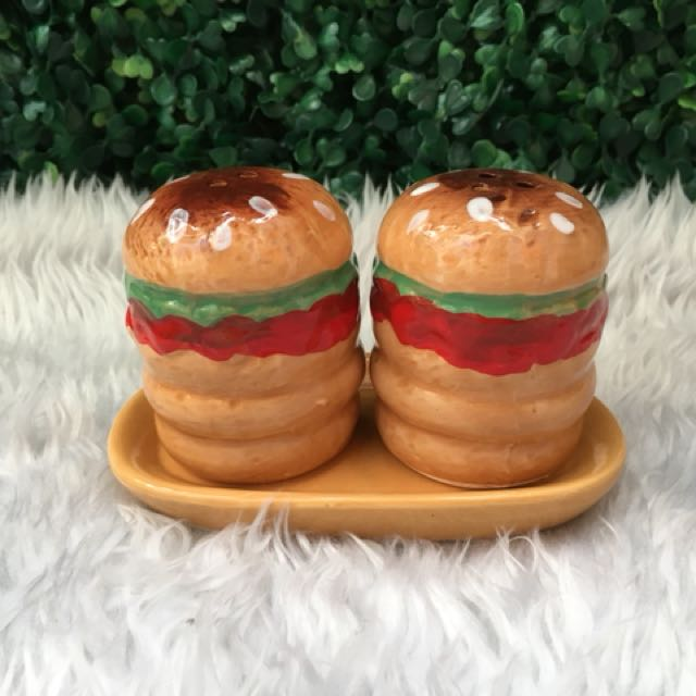 Burger Salt & Pepper Shaker with Handle