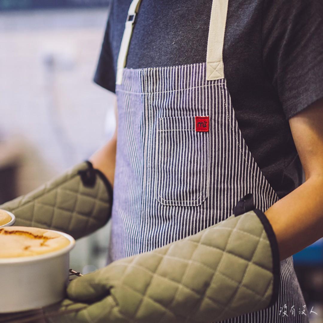 Classic。牛仔 條紋 綁帶圍裙 大口袋 扣環可調整 藍白海洋 輕食 咖啡師 早午餐 手做職人 員工制服。沒有沒人
