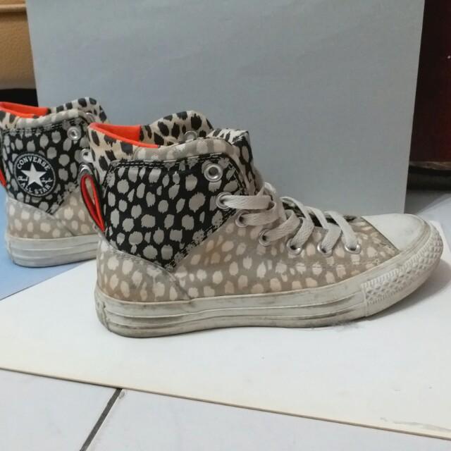 Convers 高筒帆布鞋