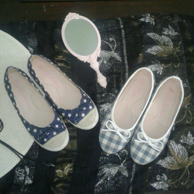 2 Pasang Flat Shoes
