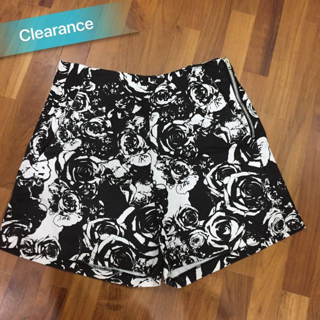 Floral black white shorts