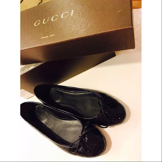《真品便宜賣》GUCCI 35.5號 黑色亮皮娃娃鞋 100%正品!#GUCCI