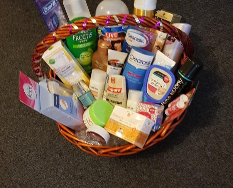 Health n beauty Gift Basket 1. Medium size