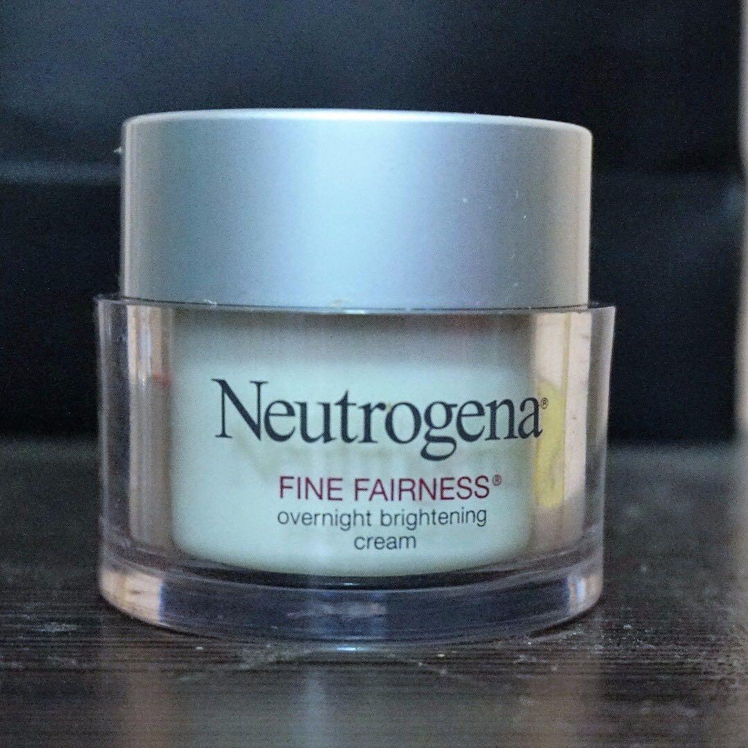 Neutrogena Fine Fairness Night Cream