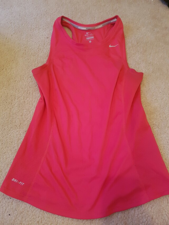 Nike dry fit xs- never worn