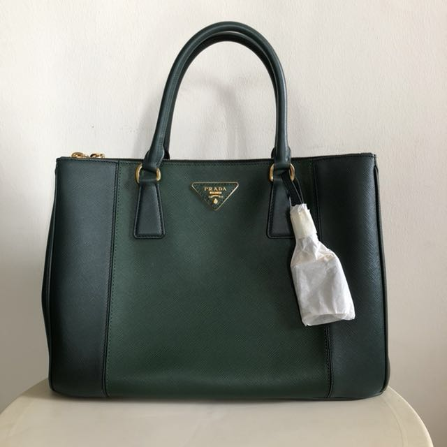 Prada Saffiano Bag Duo Tone Dark green 360edd1f536a2