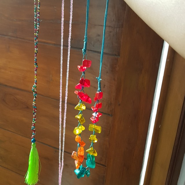 Rainbow Bali necklaces 1 set isi 3