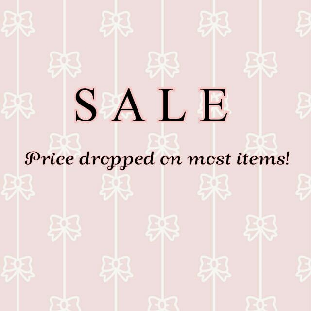 Repriced items and freebies✨
