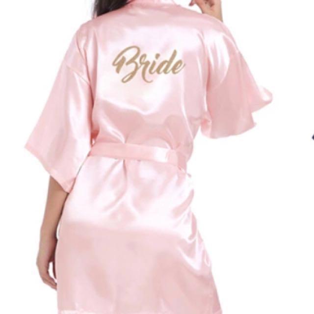 Satin bride robe in light pink 88b6ab3e6
