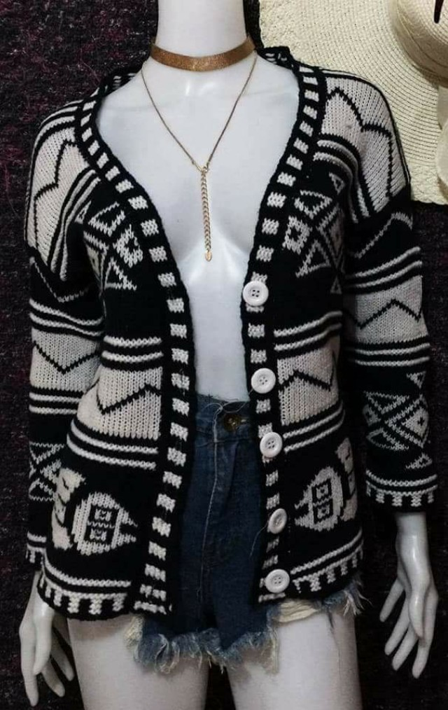 s-m open and warm cardigan