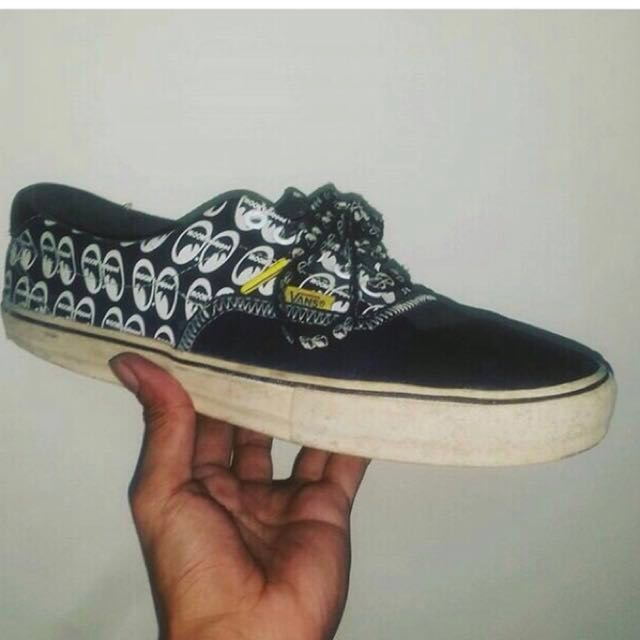 low price sale quality 100% authentic Vans x Mooneyes., Men's Fashion, Footwear on Carousell