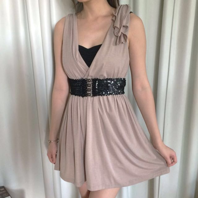 V-neck Dress and Sequin belt