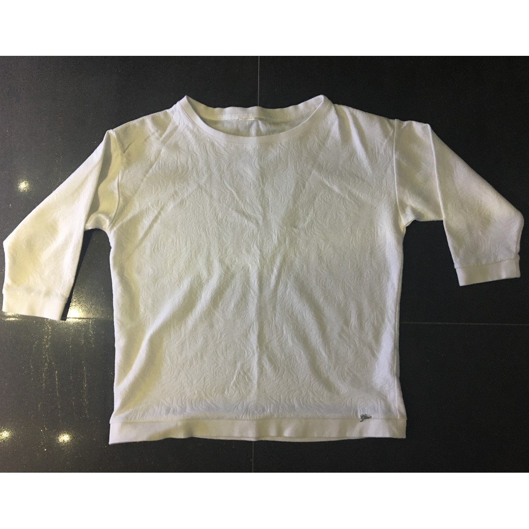 white three quarter sleeved embossed sweatshirt