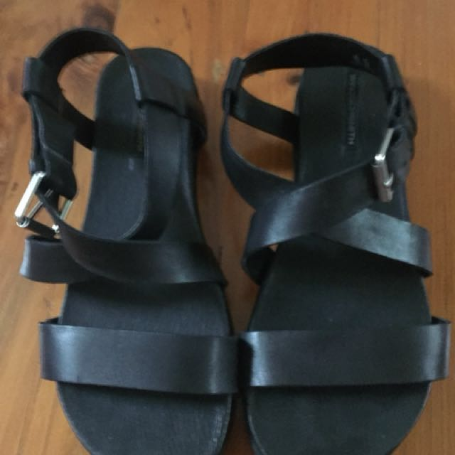 WINDSOR SMITH black leather sandals