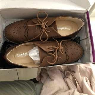 全新 復古牛津鞋 42號