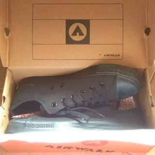 (NEW!) Airwalk Star Low Original