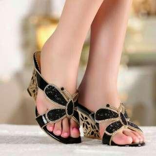 Sepatu wedges suade