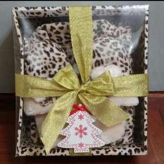 """🎅聖誕禮物! 西班牙品牌""""Enfasis""""  豹紋印花micro fleece 睡衣套連毛毛拖鞋禮盒 EU Size 40"""