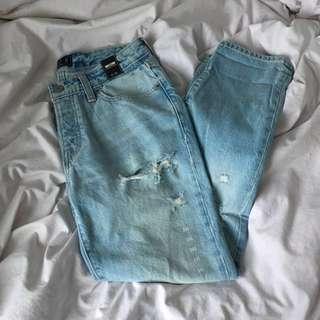 new light wash boyfriend jeans