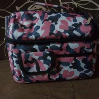 V cool cooler bag