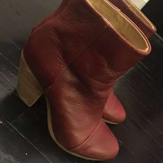 Rag & Bone Red Classic Newberry boots Size 37