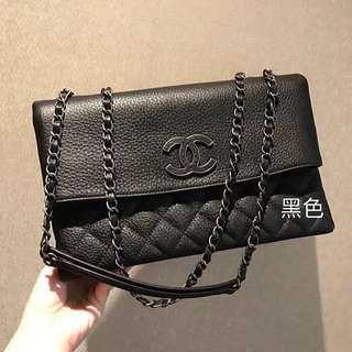 Chanel 多隔層口蓋包