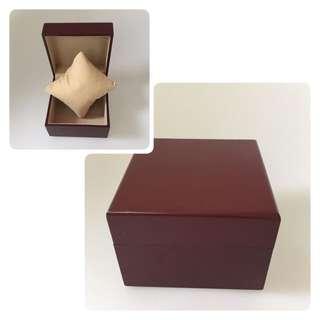 Wooden single watch box