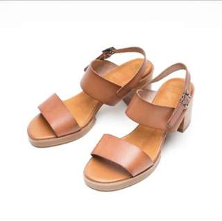 BN brown leather strap casual heels