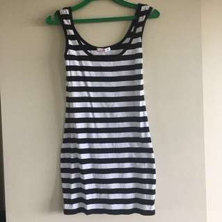 Fitted dress (supre) size small