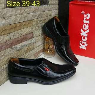 Men Shoes by Kickers (Replica)