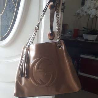 Authentic Pre loved Gucci Leather handbag
