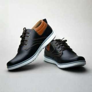 Sepatu casual SALVO RK01 Hitam