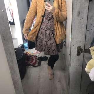 🚚 黃色毛衣外套