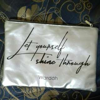 Makeup pouch by Wardah