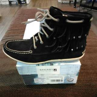 Sperry Top Sider Ladies mid cut boot