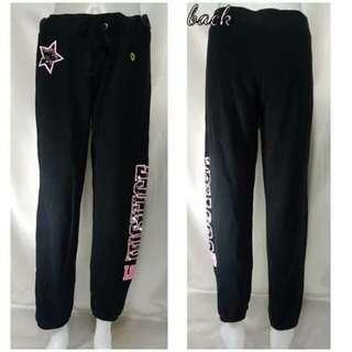 Sweat pants in Color Black