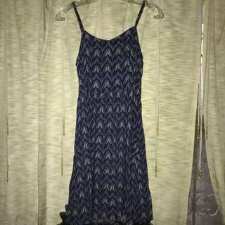H&M BLUE PATTERNED DRESS
