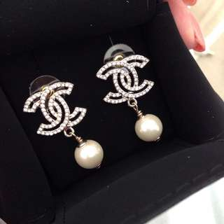Authenthic preowned Chanel Diamanté earrings