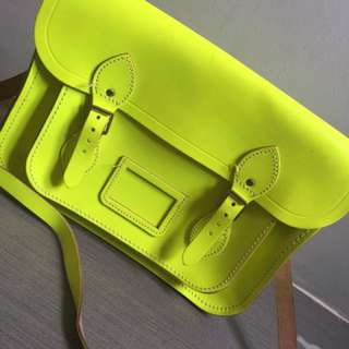 13-inch Classic Satchel in Leather - Neon Green