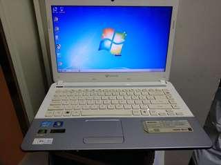 手提電腦, 全正常。已经装好系统,马上可以用。900元不议价。