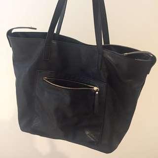Large Leather-look Black Sportsgirl Bag