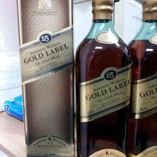 80年代,陳年左走J W金牌15年威士忌750m l連盒。每支計