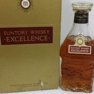 陳年老日威,80年代三得利威士忌750m l連盒。